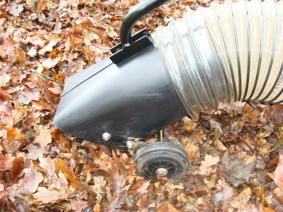 aspirateur de feuilles outils micro tracteurs. Black Bedroom Furniture Sets. Home Design Ideas